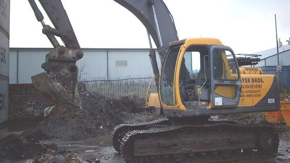 Excavation equipment able to be rented